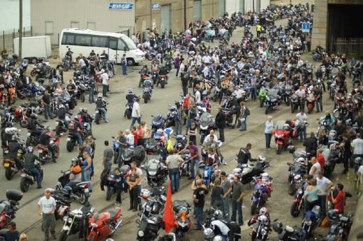 Френските мотористи продължават да стачкуват 05