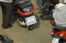 Френските мотористи продължават да стачкуват 17