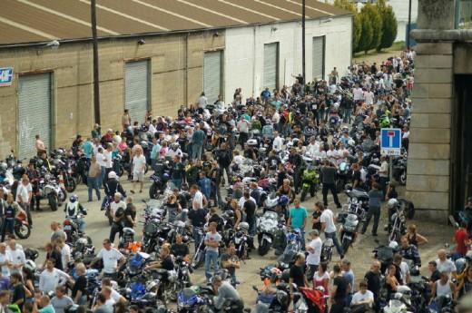Френските мотористи продължават да стачкуват 19