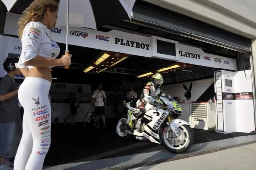 Секси мацки в падока на Арагон GP 01