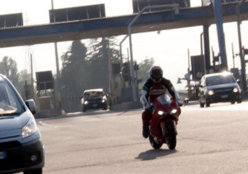 Шпионски снимки на Ducati 1199 Panigale 01