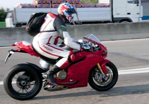 Шпионски снимки на Ducati 1199 Panigale 02