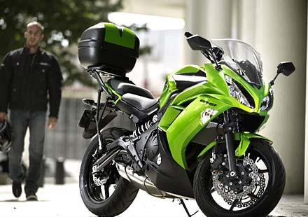 Изцяло ново Kawasaki ER6f за 2012 година