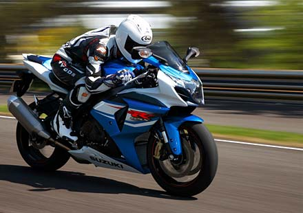 Промо видео на мотоциклета Suzuki GSX-R 1000 за 2012 година