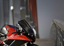 V за Vendetta - тунинг на Ducati Superbike 04