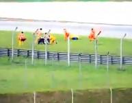 Медиците изпуснали носилката с Марко Симончели - Видео