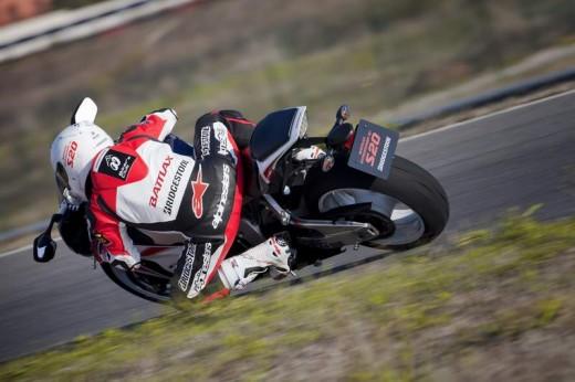 Bridgestone показва нова мотоциклетна гума на EICMA 2011 06