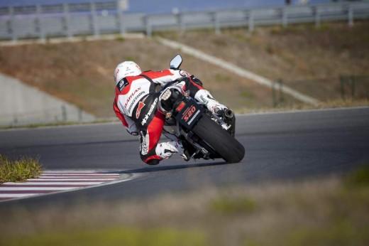 Bridgestone показва нова мотоциклетна гума на EICMA 2011 07