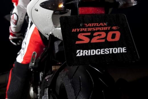 Bridgestone показва нова мотоциклетна гума на EICMA 2011 10