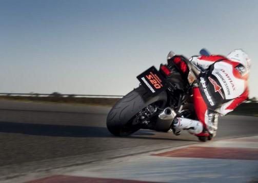 Bridgestone показва нова мотоциклетна гума на EICMA 2011 13