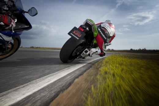 Bridgestone показва нова мотоциклетна гума на EICMA 2011 14