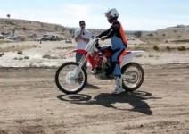 Опит за световен рекорд от сляп моторист!