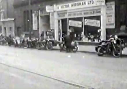Rode Safely – филм за безопаснотта за мотористите от 1955