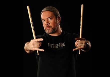 Очаквайте интервю с барабаниста на легендарните Meshuggah