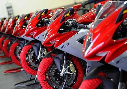 Легендарните мотоциклети MV Agusta вече се предлагат и в България
