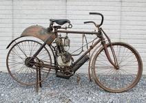 Продава се най-старият американски мотоциклет 01