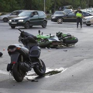 Тежка катастрофа с кола и мотори в София 01