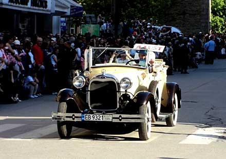 Ретро автомобили и мотоциклети ще шестват по габровските улици в деня на хумора