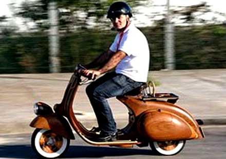 В Русия разрешиха на скутери и мотопеди да се движат по бус лента