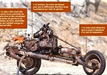 Ръчно изработен мотоциклет в центъра на Сахара