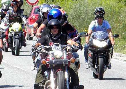 Кметът на Варна предлага намаление на данъците за мотори