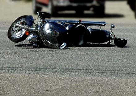 Пияно дете взе мотоциклета на баща си, блъсна велосипедист и го уби
