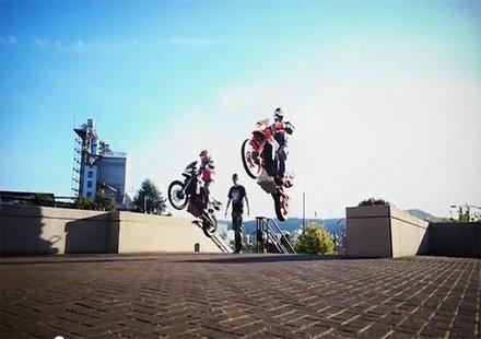 От Портланд до Дакар с мотор (видео)