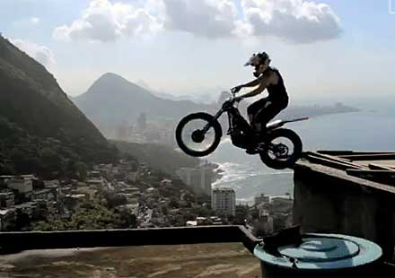 Red Bull Trial X Sessions: Изумителен фрийрайд по улиците на Рио