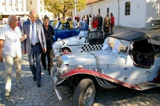 В Сливен се проведе парад на ретро автомобили и мотоциклети 03