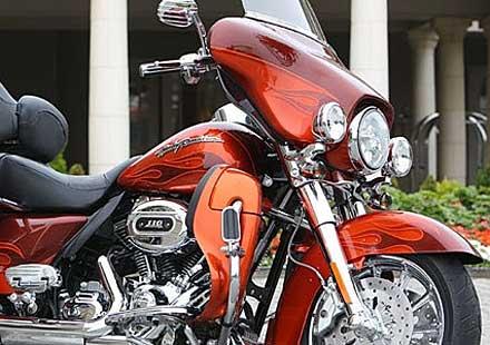 Harley-Davidson си подели с Apple правата върху Lightning