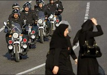 Жените в Иран вече могат да се състезават с мотори