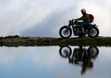 Harley-Davidson Stellalpina по италианските върхове (ВИДЕО)