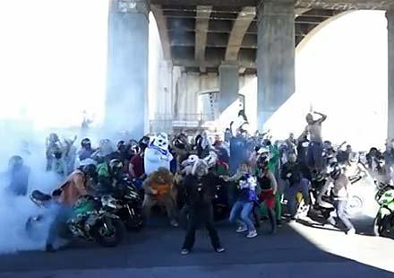 Harlem Shake в моторджийски вариант