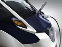 i-Road - хибрид между автомобил и мотор 10