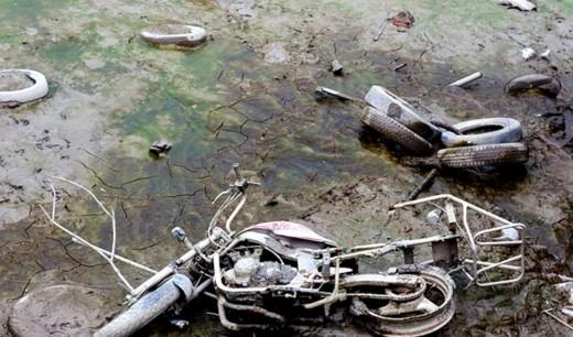 От езеро изплуваха крадени мотори 01