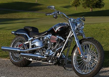 Премиера на Harley Breakout и Street Bob в Европа