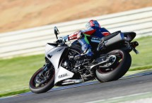 2013 Yamaha YZF-R1 06
