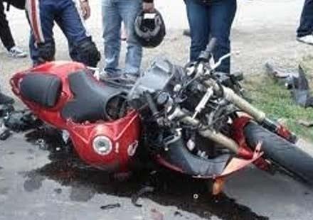 Моторист излетя от пътя, бере душа