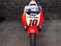 Първият състезателен мотоциклет на Кени Робъртс-младши обявен за продан 18