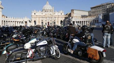 """Папата получи два мотора и кожено яке от """"Харли-Дейвидсън"""" 01"""
