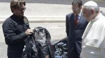 """Папата получи два мотора и кожено яке от """"Харли-Дейвидсън"""" 03"""