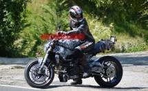 Шпионски снимки на Ducati Monster 1198 01