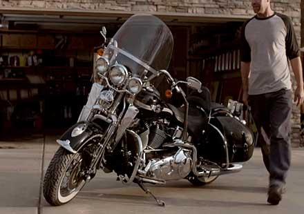 Новата реклама на Indian Motorcycles насочена срещу Harley-Davidson