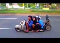 Може би най-малкият скутер в света (видео)