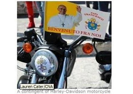 """Папата продава мотор """"Харли Дейвидсън"""" на търг"""
