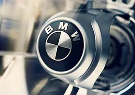 BMW отзовава над 50 000 мотоциклета