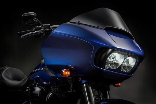 Harley-Davidson Road Glide за 2015 г. се появява с гръм и трясък 01
